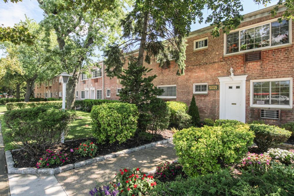 Eagle Rock Apartments at Carle Place - Carle Place, NY   Eagle Rock ...
