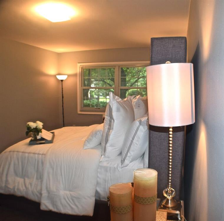 Eagle Point Apartments: Eagle Rock Apartments At Woodbury - Woodbury, NY