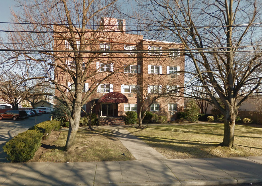 Bayview Apartments - Freeport, NY   Eagle Rock Apartments