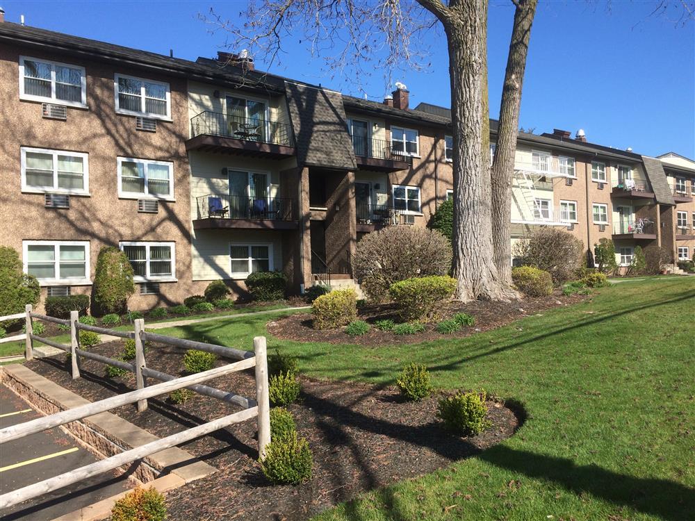Falls Village Apartments Philadelphia Pa