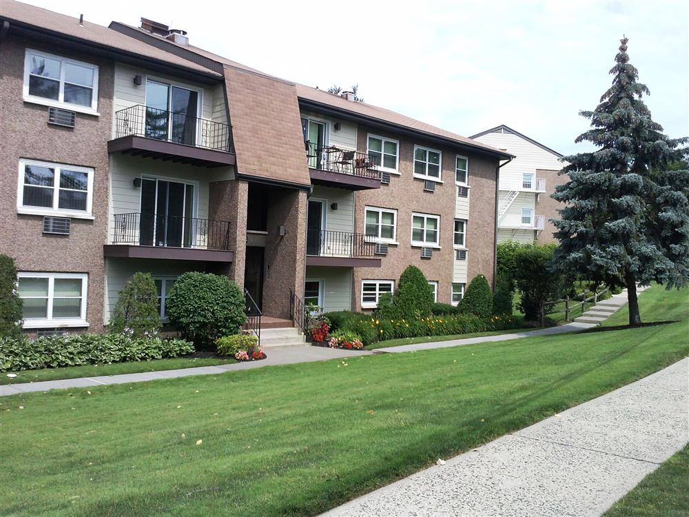 Eagle rock apartments of south nyack in south nyack ny for 14 terrace place hicksville ny