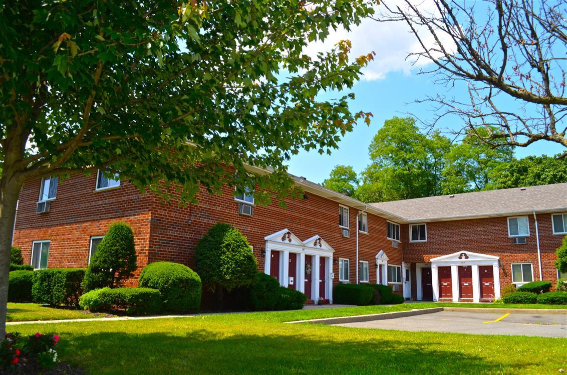 Bellmore Manor Gardens   Bellmore, NY