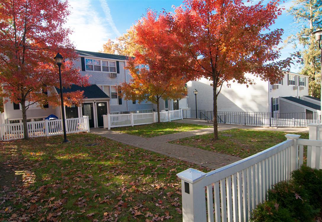 Cortlandt Ridge - Ossining, NY   Eagle Rock Apartments