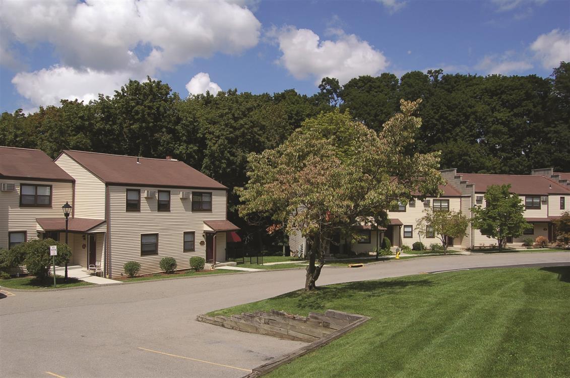 Sherwood Townhomes - Ossining, NY | Eagle Rock Apartments