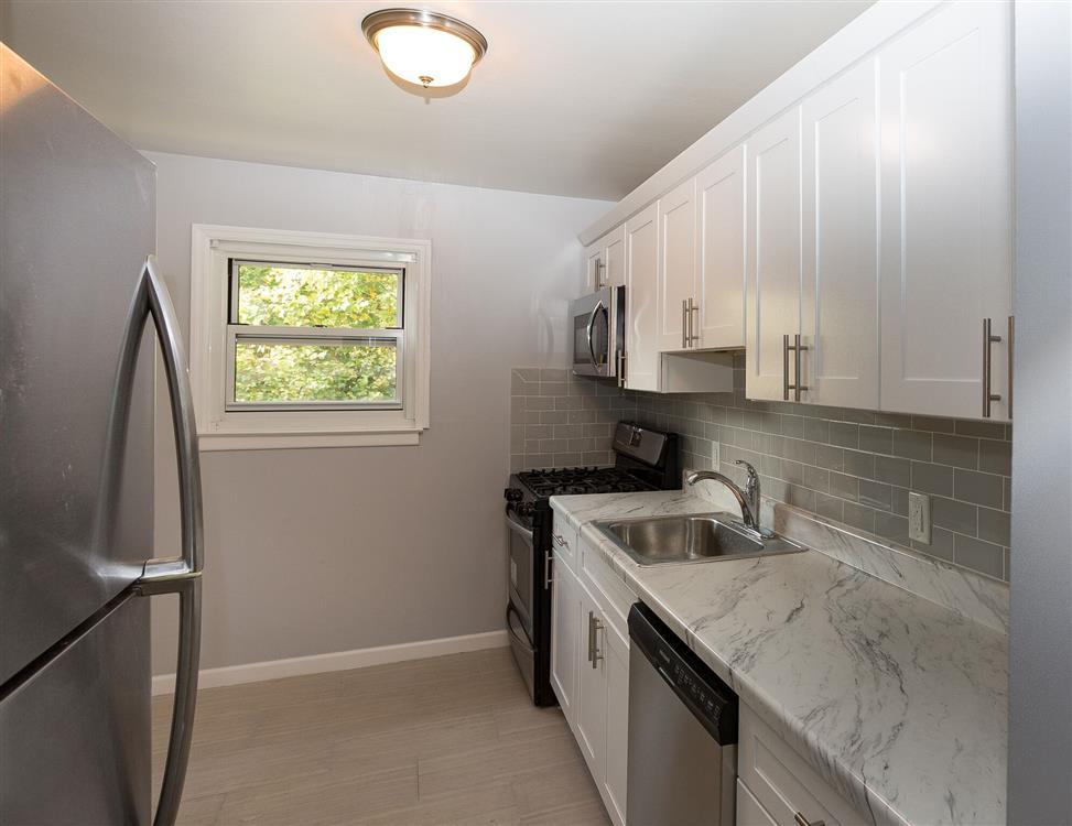 Bari Manor Apartments - Croton On Hudson, NY | Eagle Rock