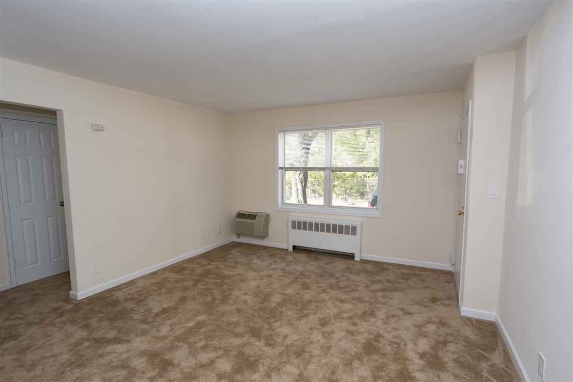 West Gate Leasing >> Patricia Gardens - Peekskill, NY | Eagle Rock Apartments